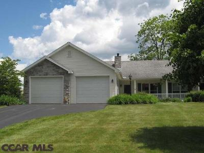 Penns Manor Condo/Townhouse Active W/Contingencies: 122 Penns Court