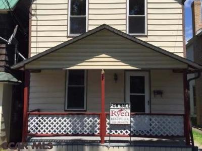 Single Family Home For Sale: 409 Laurel Street E