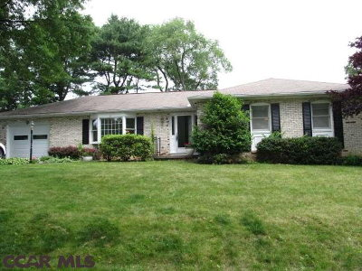 State College Single Family Home For Sale: 819 Wheatfield Drive