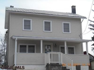Single Family Home For Sale: 224 Lamb Street E