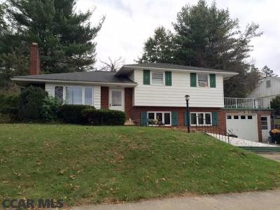 Single Family Home For Sale: 16 Winding Way