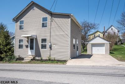 Single Family Home For Sale: 425 Cherry Lane