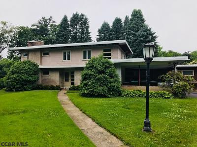 State College Multi Family Home For Sale: 861 Thomas Street N