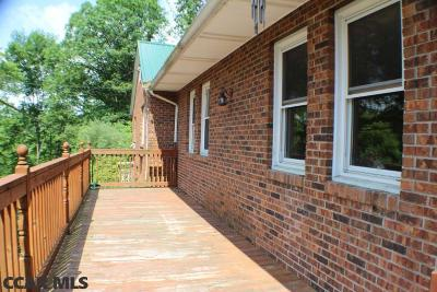 Single Family Home For Sale: 322 Litz Road