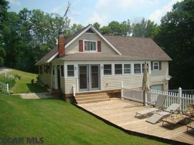 Single Family Home For Sale: 465 3rd Street