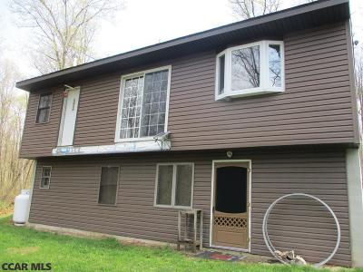 Snow Shoe PA Single Family Home For Sale: $159,500