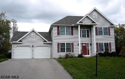 Single Family Home For Sale: 61 Silver Maple Lane