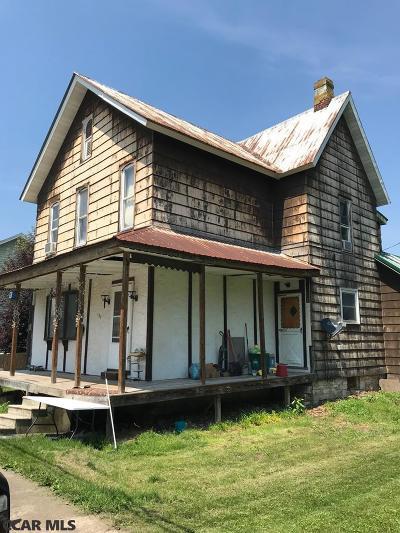 Single Family Home For Sale: 151 Penn Street