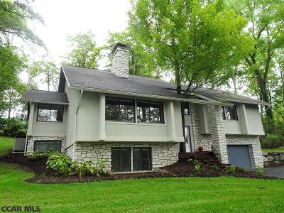 Single Family Home For Sale: 102 Wildernest Lane
