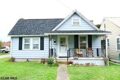 Single Family Home For Sale: 121 Brown Avenue