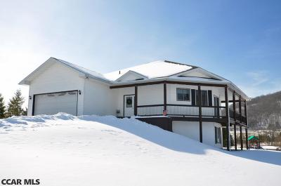 Single Family Home For Sale: 105 Heverly Lane