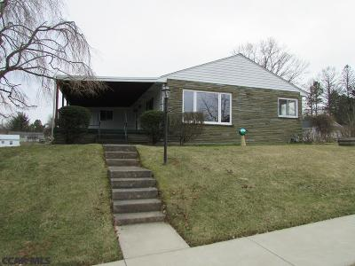 Bellefonte Single Family Home For Sale: 704 Curtin Street E