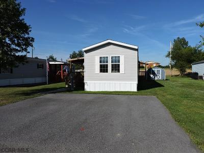 Mobile/Manufactured For Sale: 128 Country Lane