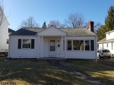 State College Single Family Home For Sale: 933 Beaver Avenue W