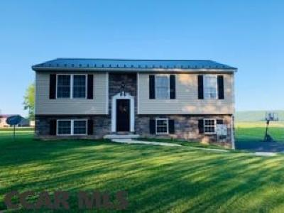 Lewistown PA Single Family Home For Sale: $185,000