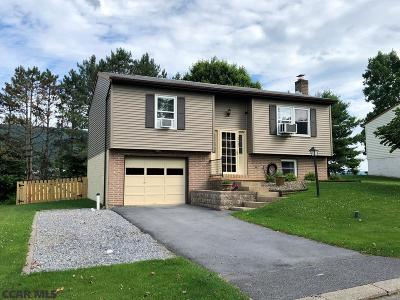 State College PA Single Family Home For Sale: $220,000
