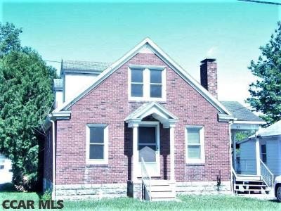 Single Family Home For Sale: 223 Pennsylvania Avenue