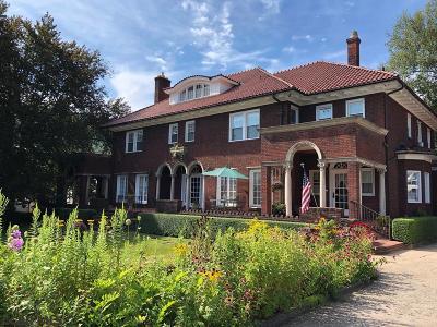 Single Family Home For Sale: 863 Washington Avenue