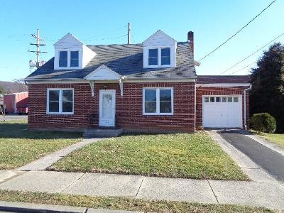 Mifflin County Single Family Home For Sale: 100 E Fleming Avenue