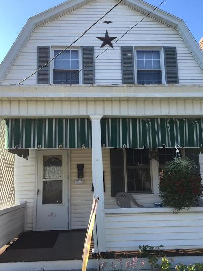 Lewistown Single Family Home For Sale: 52 Montgomery Avenue