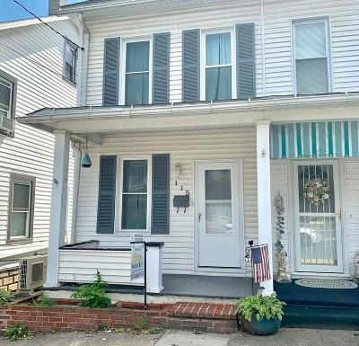 Lewistown Single Family Home For Sale: 115 N Walnut St