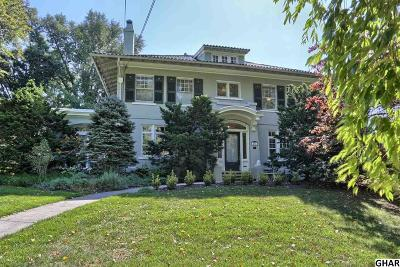Hershey Single Family Home For Sale: 246 E Caracas Avenue