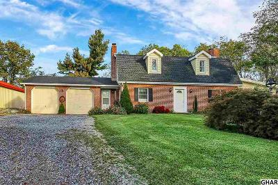 Carlisle Single Family Home For Sale: 5 Stoney Knoll Lane