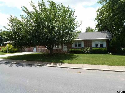 Carlisle Single Family Home For Sale: 574 E St