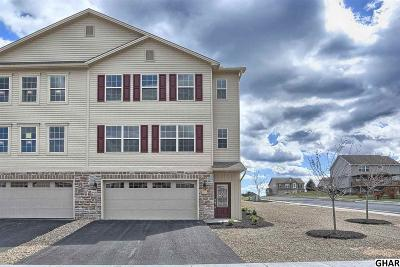 Carlisle Single Family Home For Sale: 105 Crest View