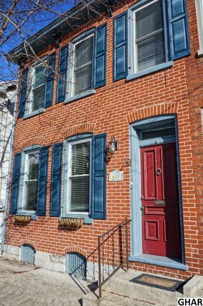 Carlisle Single Family Home For Sale: 417 N Hanover St