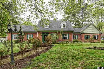 Harrisburg Single Family Home For Sale: 202 Valley Rd