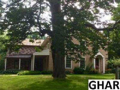 Palmyra Single Family Home For Sale: 15 Field Lane