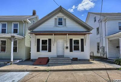 Palmyra Single Family Home For Sale: 516 W Main St