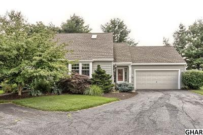 Hershey Single Family Home For Sale: 1083 Hillview Lane