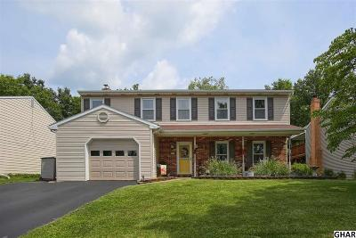Mechanicsburg Single Family Home For Sale: 53 Edgewood Dr