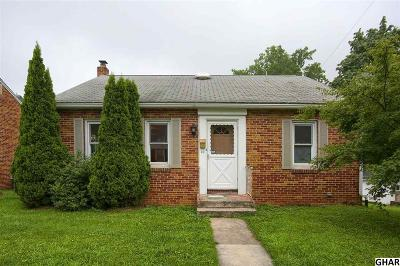 Mount Holly Springs Single Family Home For Sale: 10 W Pine Street