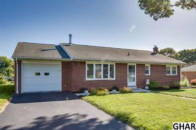 Palmyra Single Family Home For Sale: 112 Plaza Drive