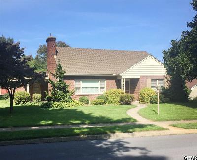 Hershey Single Family Home For Sale: 131 Oak Lane