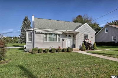 Hershey Single Family Home For Sale: 525 E Derry Road
