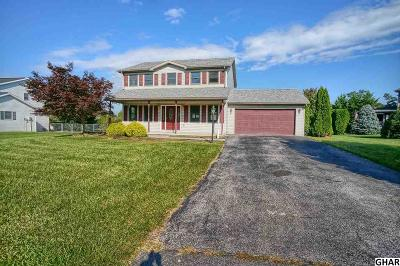 Shippensburg Single Family Home For Sale: 233 Hickory Ln
