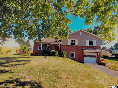 Camp Hill Single Family Home For Sale: 16 Kensington Dr