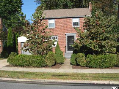 New Cumberland Single Family Home For Sale: 905 2nd Street