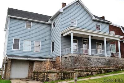 Single Family Home For Sale: 220 Main Street