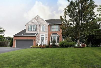 Somerset  Single Family Home For Sale: 134 Cambridge Place
