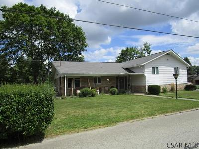 Somerset PA Single Family Home For Sale: $139,000