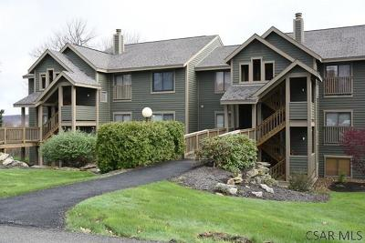 Hidden Valley Condo/Townhouse For Sale: 5130 Summit View