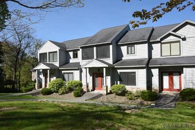 Hidden Valley Condo/Townhouse For Sale: 1309 Westridge Drive