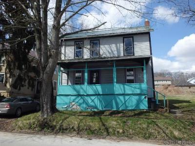 Single Family Home For Sale: 431 Main Street