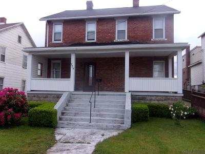 Single Family Home For Sale: 224 Center St.