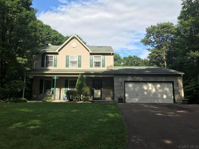 Berlin Single Family Home For Sale: 326 Mountain Ridge Ct